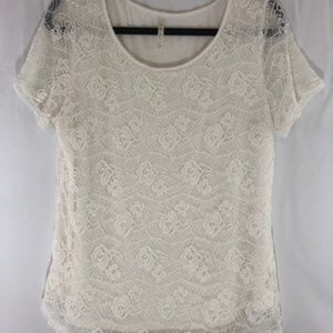 Leo & Nicole | Off-White | Lace Overlay Top